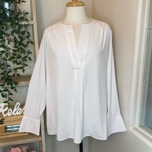 🆕Calvin Klein long sleeves white shirt